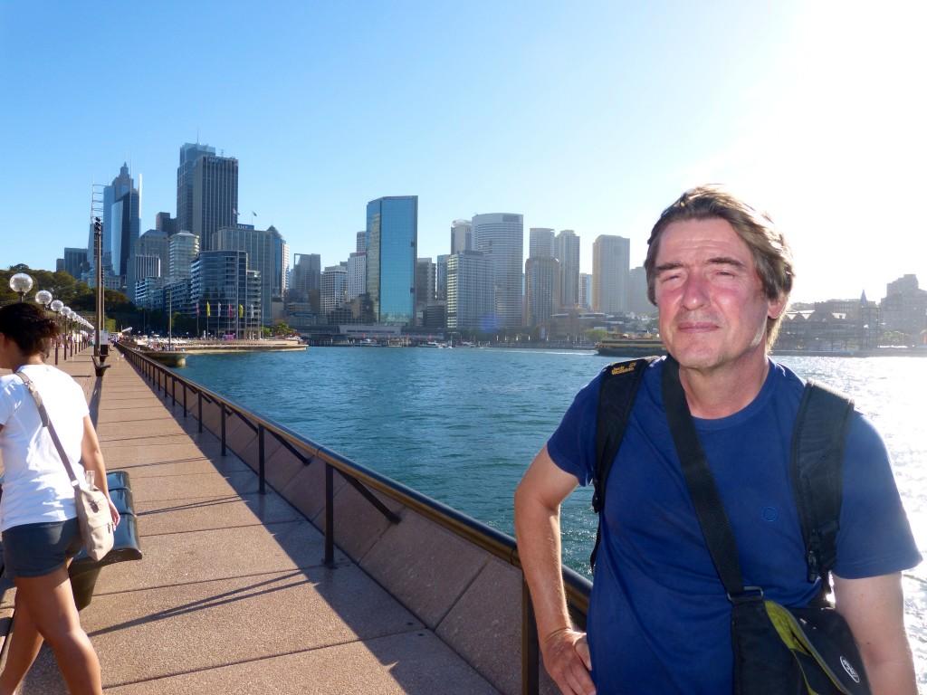 Sydney: Dieter vor der Skyline